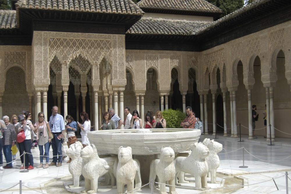 #alhambra#palazzo#mille e una notte #nasridi #patio leoni